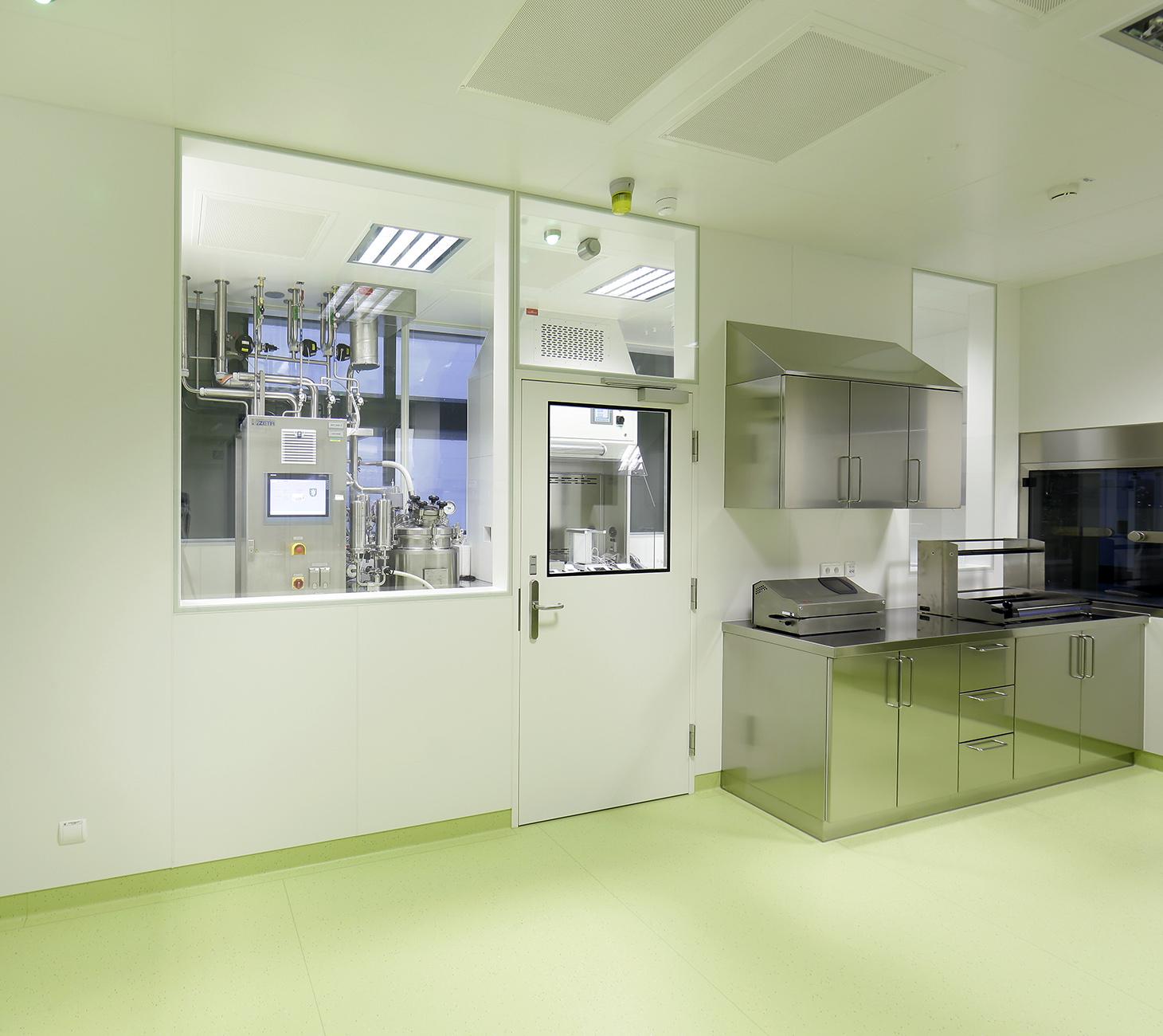 Reinraum-Mobiliar von Kiefer technic